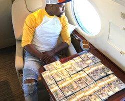Image Instagram de Floyd Mayweather avec son cash