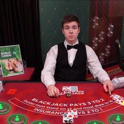 Lucky Blackjack : table de blackjack en ligne exclusive