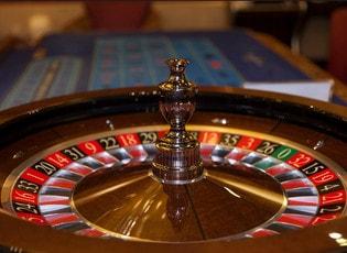 Jeu de roulette gratuit ou en direct de casinos ou de studios