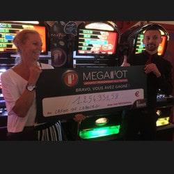 Une joueuse décroche le jackpot progressif du Partouche Megapot au Casino de Cabourg