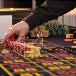 Tout savoir sur le métier de croupier de casino