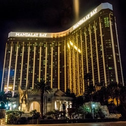 MGM Resorts International va payer 800 millions de dollars aux victimes de la tuerie du Mandalay Bay Casino