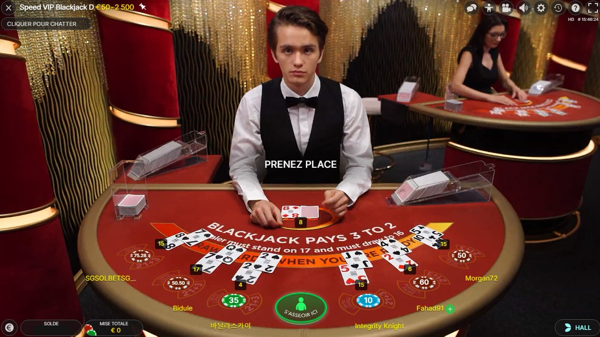 Croupier a une tables de black jack en live