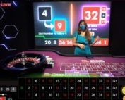 Croupier en live du jeu Blaze Roulette sur Casino Extra
