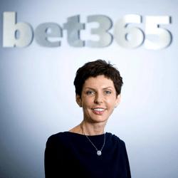 Denise Coates fondatrice du site Bet365 est une des plus grosses fortunes d'Angleterre